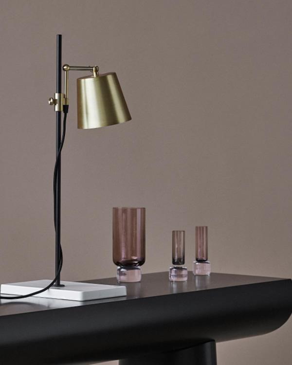 Lab light, lámpara de sobremesa de la marca Karakter