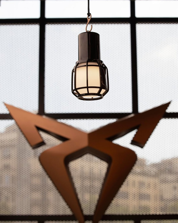 Marset & Cupra lámpara de sobremesa