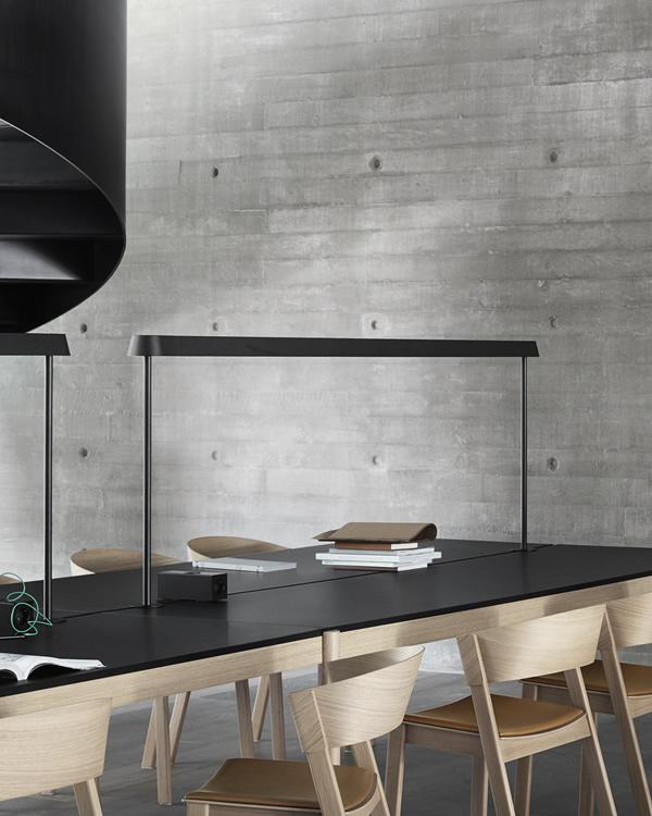 Muuto Linear Mounted table lámpara de sobremesa